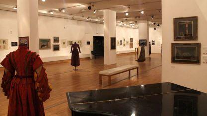 """Изложбата """"Художниците на Народен театър 1907/1954"""" в Софийската градска художествена галерия"""