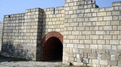 Порта към крепостта