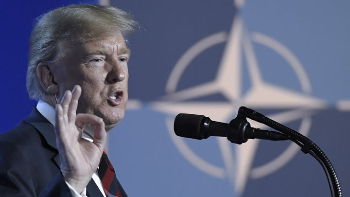Доналд Тръмп на пресконференцията във втория ден от срещата на върха на НАТО.