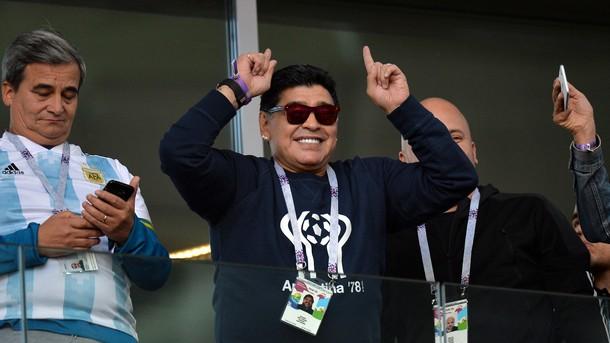 Легендата на Аржентина Диего Марадона отправи критики към националния селекционер
