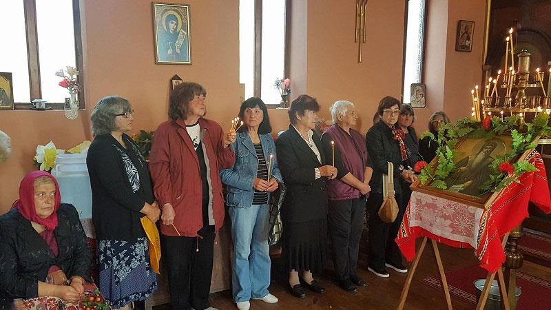 Тържествена литургия беше отслужена в храма в Паволче на 19 октомври, когато се почита паметта на свети Иван Рилски.