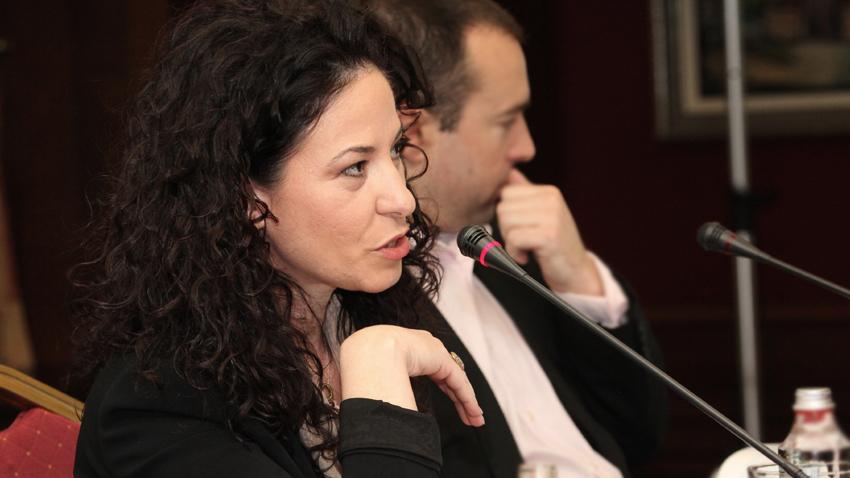 Dr. Jonila Godole duke marrë pjesë në panelin për rolin e gazetarëve në epokën digjitale