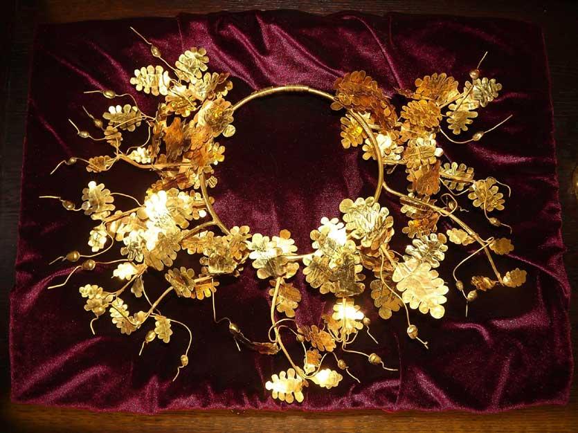 Златният венец на Севт III