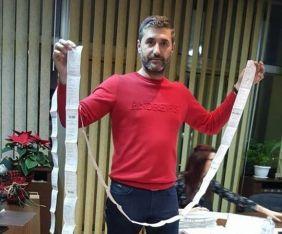 Янко Янков показа 4-метровата фактура за вода на един от некоректните наематели