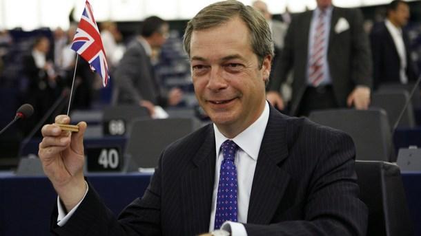 Европейският парламент ще си върне 40 хиляди евро с удръжки
