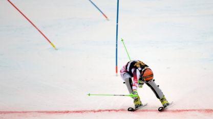 Никол Хосп сложи край на състезателната си кариера