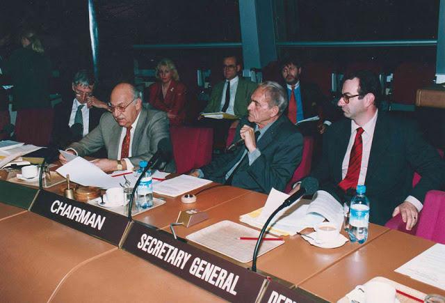 Посланик Светлозар Раев председателства Комитета на Министрите