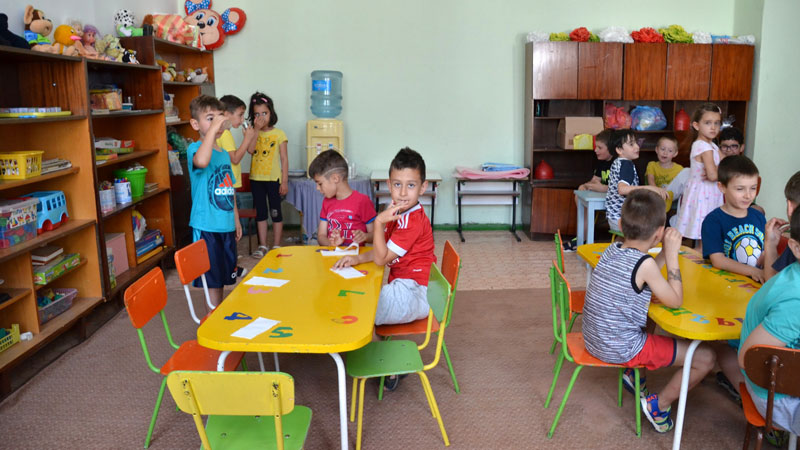 Във всички училища и детски градини в Община Троян се