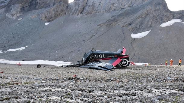 20 души загинаха след като самолет от времето на Втората
