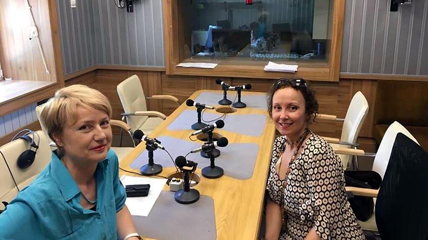 """Аделина Александрова и Мила Павлова (вдясно) в студиото на програма """"Христо Ботев""""."""