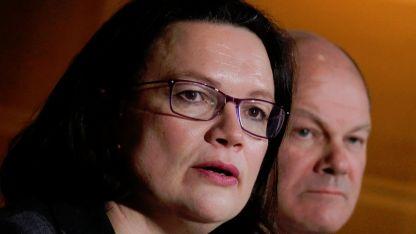 Лидерката на германските социалдемократи Андреа Налес (на преде план)