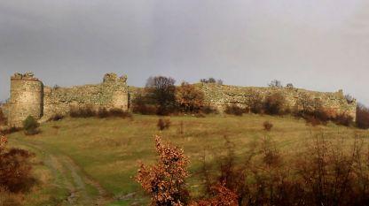 Средновековната крепост над село Мезек
