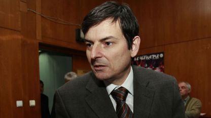 Доц. Наум Кайчев, зам.-председател на смесената комисия между София и Скопие
