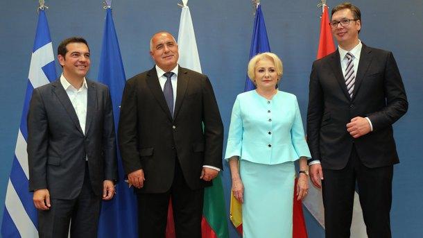 Премиерите на Гърция, България, Румъния и президентът на Сърбия ( от ляво на дясно) на срещата в Солун