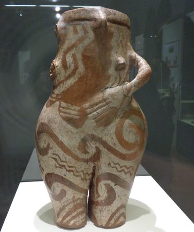 Κεραμικό δοχείο στη μορφή της αρχαίας θεάς-μητέρας