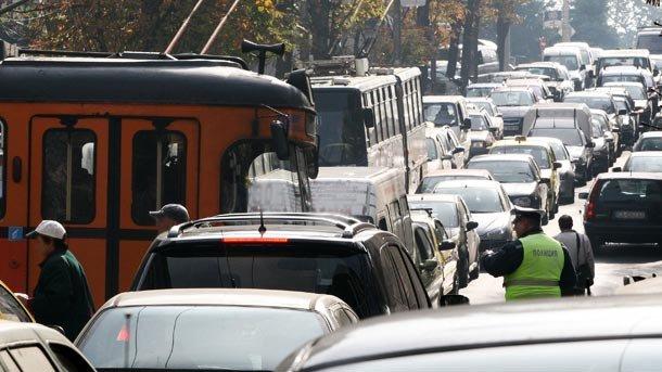 Оптимизация на линиите на градския транспорт и велоалеи ще намалят колите