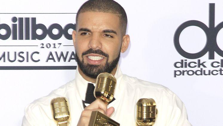 Дрейк е сред най-добре печелещите музиканти в света