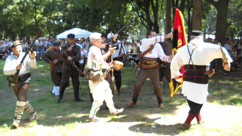 Историческа възстановка пресъздаде събитията от Илинденско-Преображенското въстание