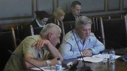 Началникът на военното разузнаване бригаден генерал Пламен Ангелов (вдясно) и началникът на отбраната ген. Андрей Боцев пред комисията по отбрана на НС през юни 2018 г.