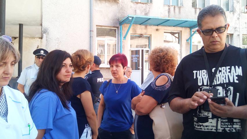 Акушеро-гинекологичното отделение на болницата в Карлово няма да бъде закривано.