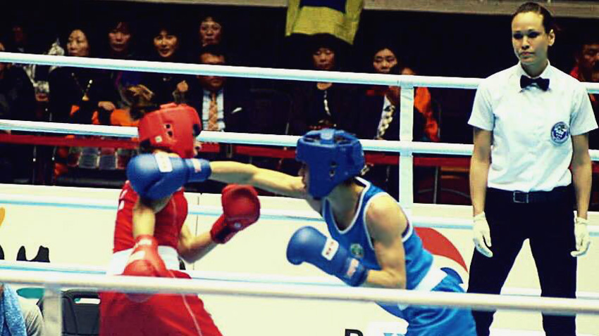 Moment from the final match: Stanimira exerts one of the decisive blows against European Champion Marcia Davide, Italy