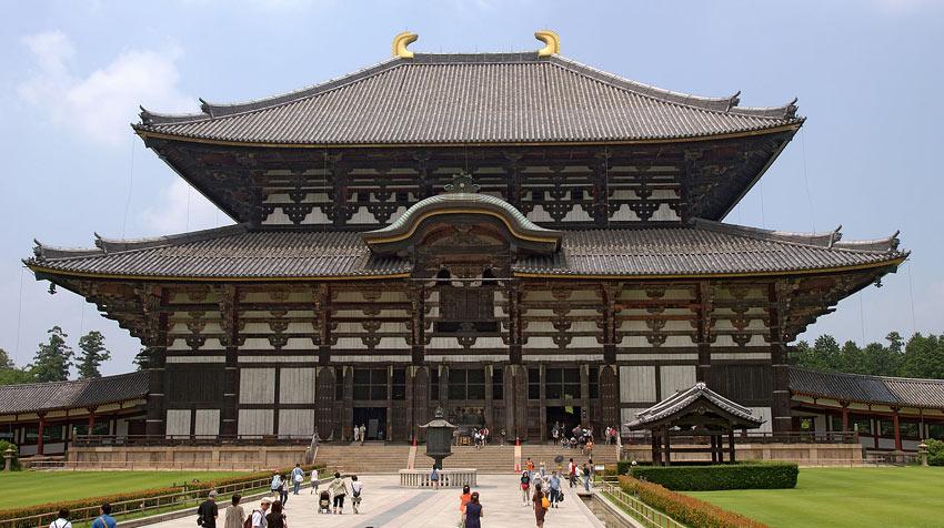 Будистки храм в град Нара, Япония.