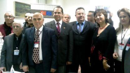 Председателят на СБЖ Снежана Тодорова (втората от дясно на ляво) заедно с екипа на проекта.