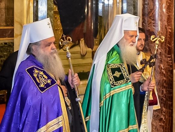 Нито една църква не може да даде автокефалия