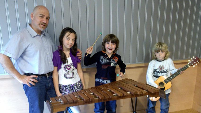 Иван Хараланов и децата му