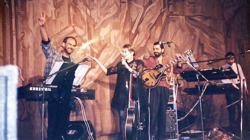 Лили Иванова, Кристиян Бояджиев (вляво), Красимир Желязков (вдясно) и Борис Чакъров, 1991