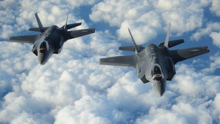 """Два стелт изтребителя Ф-35, които Израел купи от американската компания """"Локхийд Мартин""""."""