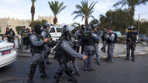 Палестинецът се нахвърлил на израелски охранител и го ранил тежко