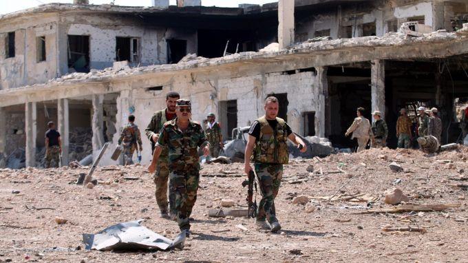Повече от 30 души са убити при джихадистко нападение в Източна Сирия