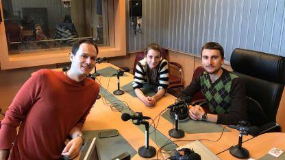 """Даниел Троев, Мартина Кръстева и Андрей Ганев (отляво надясно) в студиото на програма """"Христо Ботев""""."""