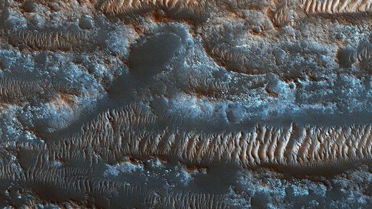 NASA публикува снимки на движещи се дюни на Марс. Снимките