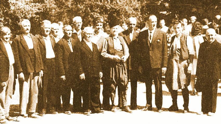 """Лазар Донков и старите майстори – строители на Етнографския музей на открито """"Етър"""""""