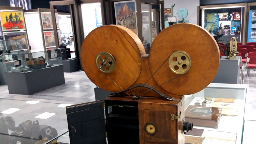 """Изложба """"Киното: магия и техника"""" в Политехническия музей."""