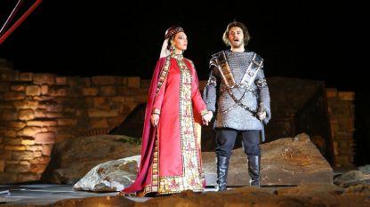 """Костюмите за операта """"Борислав"""" от Маестро Георги Атанасов (както и за още много други постановки) са създадени от Християна Михалева-Зорбалиева."""