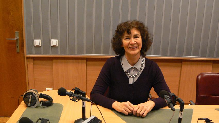 "Емилия Иванова, директор на 90-о СУ ""Хосе де Сан Мартин"""