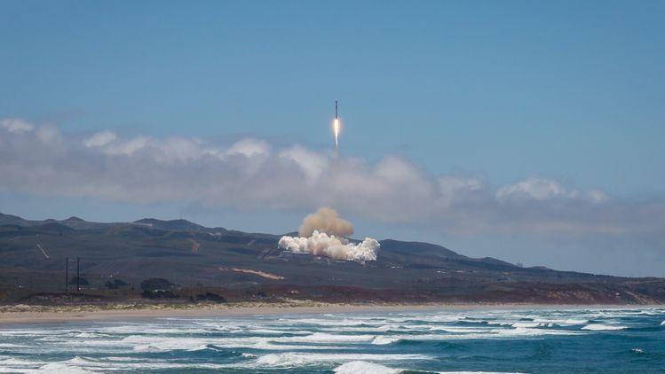 Ракета носител Falcon 9 на SpaceX, излетяла на 7 август