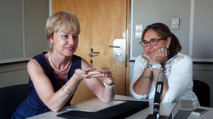 """Адриана Михнева (вдясно) – специален гост в """"Предаване без име"""""""