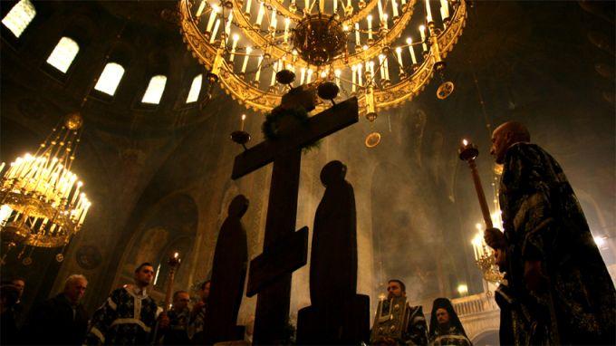 За католическото християнство днес е Разпети петък. По традиция, той
