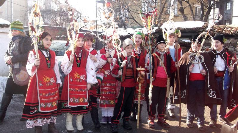 Тази нощ е най-големият зимен празник в Пернишко - Сурова.