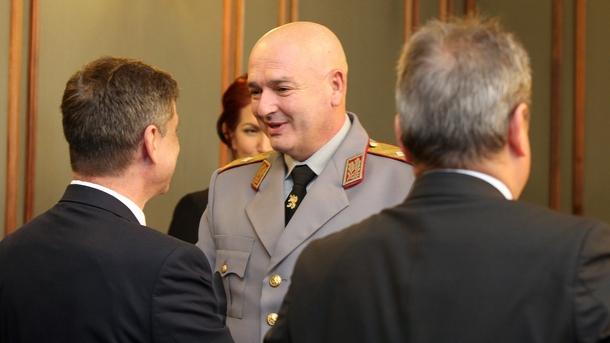 Генерал-професор Венцислав Мутафчийски се представи пред депутатите.