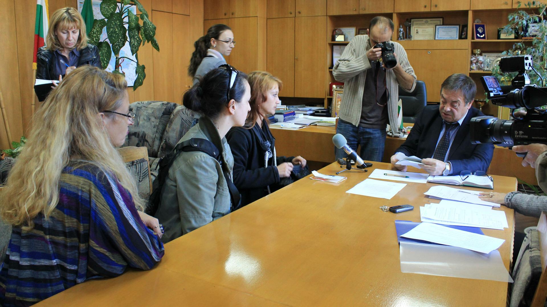 """Родители на деца, които тренират футбол към ФК """"Шумен 2007"""", за втори път тази година се срещнаха с градоначалника"""