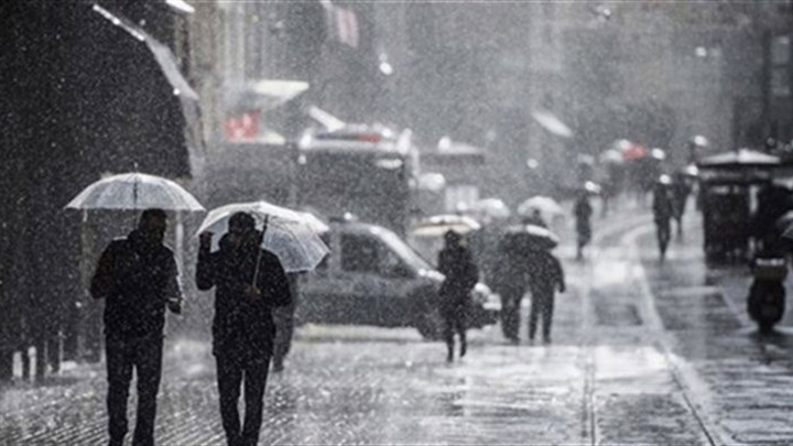 Проливният дъжд в Истанбул