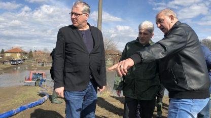 Няма опасност за качествата на питейната вода и за околната среда в района на Брегово, увери преди дни екоминистърът Нено Димов, който инспектира района