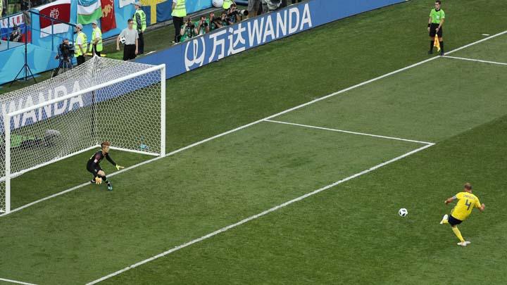 Швеция спечели 3 точки след гол от дузпа