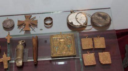 Преди известно време крадци посегнаха на реликви от паметник на връх Шипка.