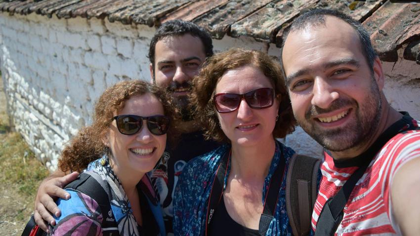 Pjesëmarrësit e ekspeditës (nga e majta në të djathtë): dr. Vjara Kallfina (Universiteti i Sofjes), Dimitër Vasilev (Muzeu Historik Kombëtar), doc. dr. Vesellka Tonçeva dhe dr. Ivajllo Markov (nga Instituti  për Etnologji)